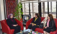 وزيرة التضامن والتنمية الاجتماعية والمساواة والأُسْرَة، السيدة جميلة المصلي، تستقبل السيدة عائشة لخماس، رئيسة جمعية اتحاد العمل النسائي بالمغرب.